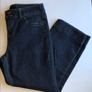 Tommy Hilfiger Size 8 Capris Great condition